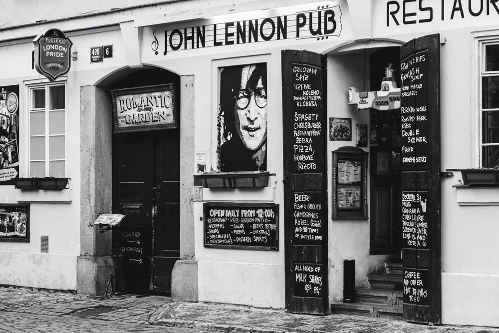FAB_Blog_Prag_John_Lennon_02